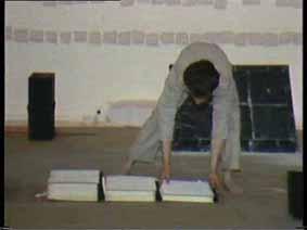 """Image 5 de performance """"écriture"""" de l'artiste Guy Lemonnier"""